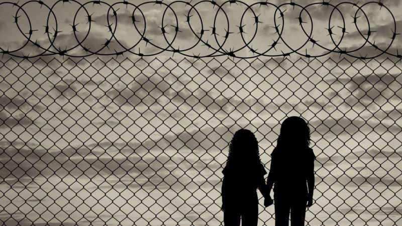 Ministarstvo odbrane Srbije kupuje žilet žicu za ograđivanje centara za migrante