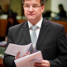 Miroslav Lajčak poručio LAŽNOJ kosovskoj državi da iz ovih stopa UKINE mere reciprociteta