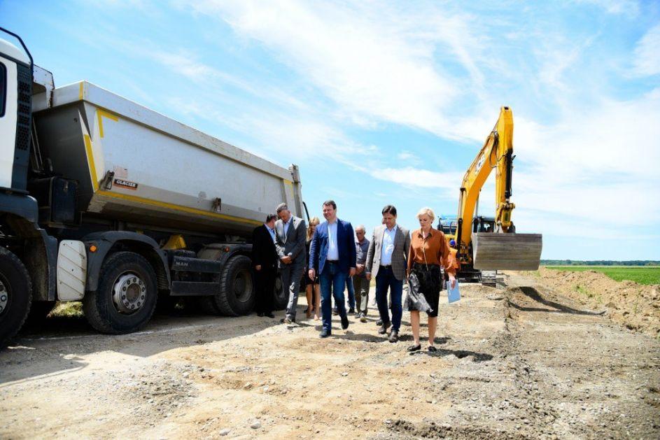 Mirović: Za putnu infrastrukturu u Šidu dodatnih 170 miliona