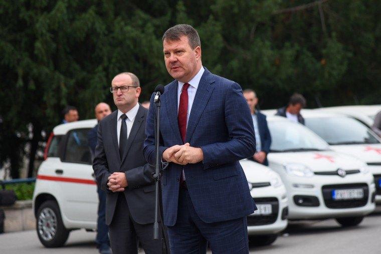 Mirović uručio ključeve 32 nova vozila za potrebe domova zdravlja i bolnica u Vojvodini