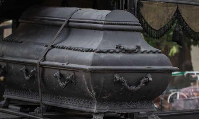 Mislila da je sahranila muža, a on joj došao na vrata posle godinu dana