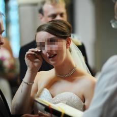 Mlada je rekla matičaru da NEĆE da se ODREKNE svog prezimena, a onda je krenula BRUKA na svadbi kod Bogatića!