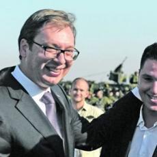 Mladost i snaga pomoći će mu da pobedi koronu: Danilo je još na Infektivnoj, poruke podrške stižu predsednikovom sinu