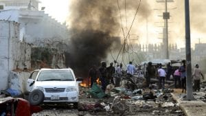 Mogadiš: U bombaškim napadima 53 osobe ubijene, 100 ranjeno