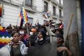 Morales je otišao, Bolivija je dobila privremenu predsednicu ali i novi haos na ulicama