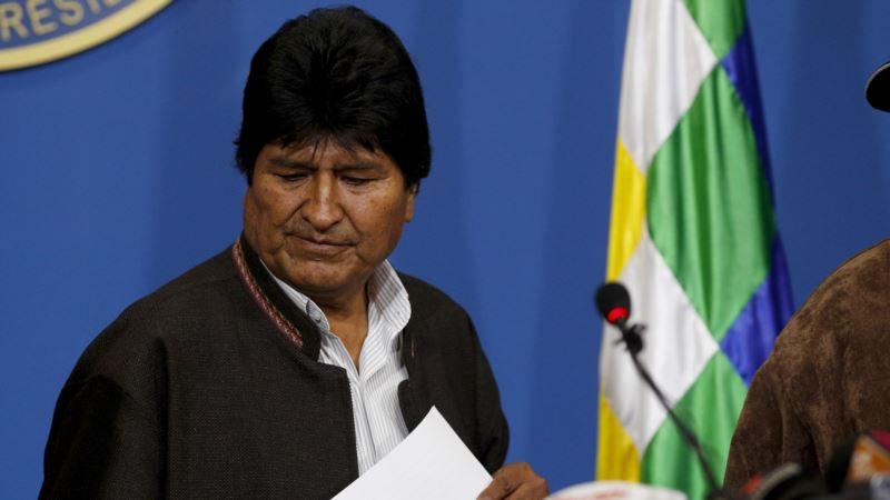 Morales podnosi ostavku, napustili ga vojni vrh i saveznici