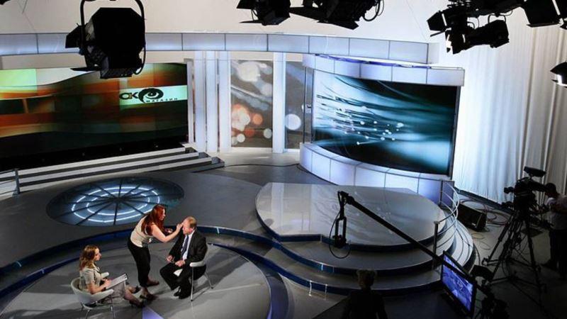 Most: Kada će zvezde RTS-a slediti primer iranskih TV voditeljki?