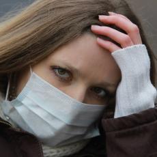 Muče te BUBULJICE od nošenja maske? Pomoći će ti ovaj jednostavan trik sa samo JEDNIM PROIZVODOM