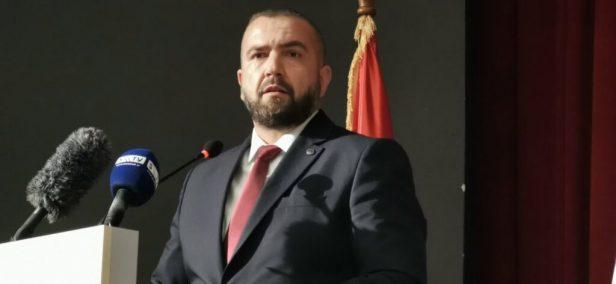 Muratović: Da je imao gasnu komoru Mahmutović bi spalivao mrtve od kovida da prikrije istinu o svojoj neodgovornosti