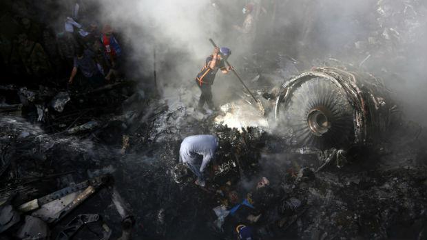 Čovek koji je preživeo pad pakistanskog aviona: Nikog nisam video, čuo sam samo krike
