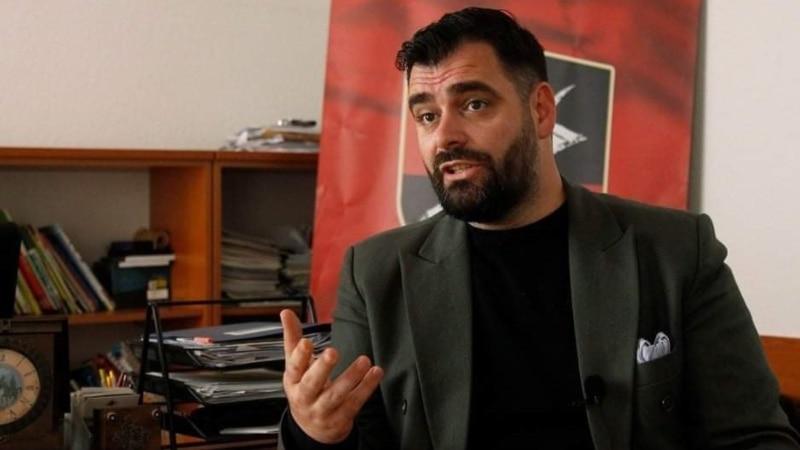 Mustafi pred saslušanje: Politički progon zbog isticanja zastave Albanije