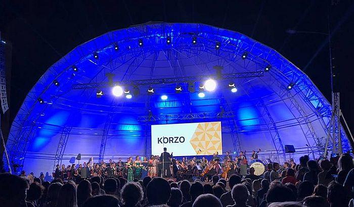 Muzički spektakl kod Banovine, Novosađani uživali u delima klasike na otvorenom