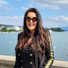 BOŽANSKA DOBROTA: Dragana Mirković čitav honorar dala na lečenje bolesnog dečaka!