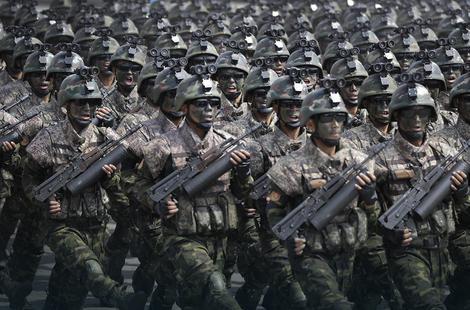 NA OPREZU Južna Koreja povećala broj vojnih snaga na granici sa Severnom