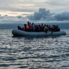 NA PUTU ZA BOLJI ŽIVOT SAČEKALA IH JE SMRT: Desetine migranata utopilo se na brodu koji ih je vozio iz Libije