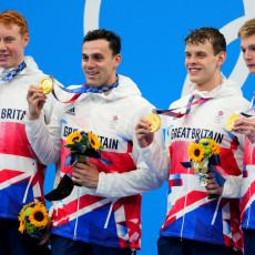 NA TO SE ČEKALO 113 GODINA: Britanska štafeta OSVOJILA zlatnu medalju, DEBAKL Amerikanaca!
