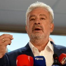 NADAM SE INTENZIVNIJOJ SARADNJI SRBIJE I CRNE GORE: Krivokapić čestitao novoj Vladi naše zemlje