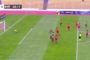 NAJKRAĆI MEČ U ISTORIJI FUDBALA: Pravo ludilo u Boliviji, igrači na terenu samo 8 minuta! (VIDEO)