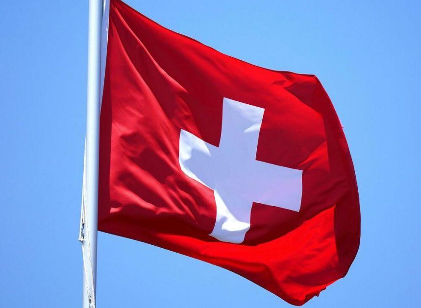 NAKON NAPETE KAMPANJE LGBT AKTIVISTA I KONZERVATIVACA: Švajcarska glasa o istopolnim brakovima i usvajanju dece