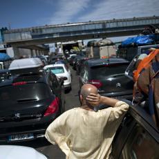 NAORUŽAJTE SE STRPLJENJEM: Višesatna zadržavanja za teretna vozila na graničnim prelazima