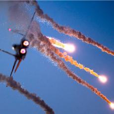 NAPADNUTA ZAPADNA SIRIJA: PVO nije uspeo da obori sve rakete iznad Hame, ima poginulih! (FOTO)