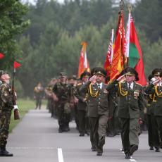 NAPETO U BELORUSIJI: Lukašenko šalje vojsku na zapadnu granicu