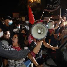 NAPETO U IZRAELU: Pokrenute žestoke demonstracije! Na hiljade ljudi ustalo protiv Netanijahua (FOTO)