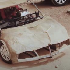 NAPRAVIO AUTOMOBIL OD DELOVA SA OTPADA! Mladić potpuno samouk kreirao mašineriju koja bruji drumovima kao ferari (VIDEO)