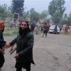 NAROD BEŽI, VLASTI U RASULU: Talibani preplavljuju Avganistan, gradovi i sela padaju kao kule od karata! (VIDEO)