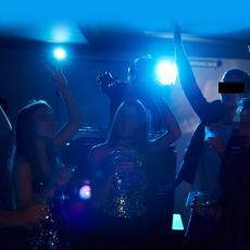NASTAVLJA SE KRŠENJE MERA! Razbijena korona žurka u Novom Sadu: U kući zatečeno oko 60 gostiju