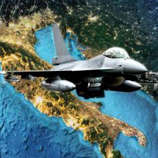 NATO GRABLJIVICE NADLEĆU BALKAN: Izveli su složenu operaciju, bombarderi i lovci SNIMLJENI TOKOM LETA (VIDEO)