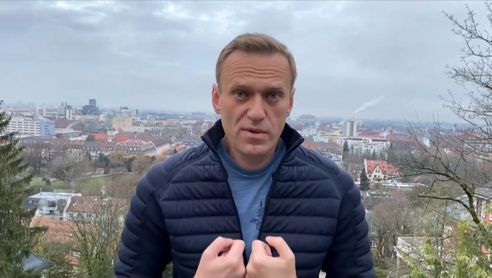 NAVALJNI SE VRAĆA U RUSIJU: Povratak iz Berlina najavio za danas i pored rizika od hapšenja!