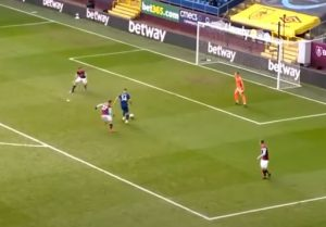 NAVIJAČI PROKLINJU DŽAKU: Svi se smeju ovom kiksu Arsenalovog igrača (VIDEO)