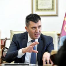 NAŽALOST BROJ ZARAŽENIH SE POVEĆAVA Ministar Đorđević: Borba protiv korone je sada lična odgovornost