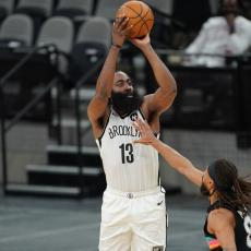 NBA: Buker i Harden najbolji u februaru