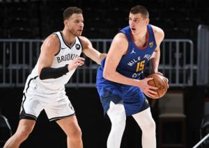 NBA: Jokić ponovo u centru pažnje – srpski as besan kao ris, dobio tehničku pa nasrnuo na sudiju! (VIDEO)