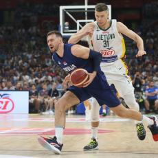 NBA PREDSEZONA: Gudurić polomio zglobove protivniku, Lejkersi ZGAZILI Voriorse (VIDEO)