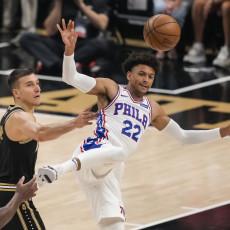 NBA: Potpuno POMRAČENJE u Džordžiji! Hoksi se UGASILI, Bogdan se POVREDIO! (VIDEO)