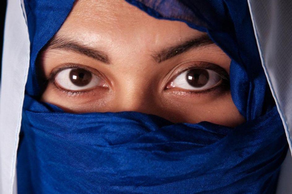 NE DIRAJ MI HIDŽAB Muslimanke u Francuskoj se susreću sa brojnim problemima samo zato što žele da budu pokrivene