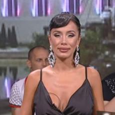 NE MOŽE SKANDALOZNIJE! Aleksandra Subotić pozirala u ULTRA TESNOJ haljini, bujno poprsje zamalo ISPALO (FOTO)