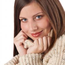 NE MOŽE VAM NIŠTA: Uz ove SAVETE zima neće narušiti izgled vaše KOSE i noktiju!