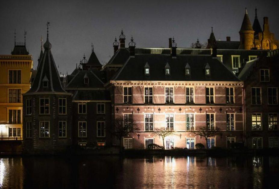 NE ODUSTAJE SE OD NOĆNOG POLICIJSKOG ČASA U Holandiji će ova mera važiti bar do 31. marta