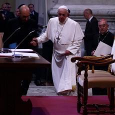 NE PLAŠIM SE SMRTI Papa Franja otkrio kada mu je bilo najteže, diktatura je bila jeziva, jedna knjiga ga je spasila