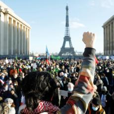NE SMIRUJU SE PROTESTI: Francuzi nezadovoljni novim zakonom o policiji!