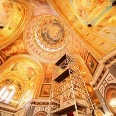 NE ŽELI DA BUDE ZAKOVANA: Zbog ikone presvete Bogorodice u NOVE KOZARCE dolaze vernici iz svih krajeva Srbije