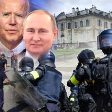 NE ŽELIM DA VIDIM POBUNU U RUSIJI Putin šmekerski pecnuo Bajdena, govorio i o određenim zabludama (VIDEO)