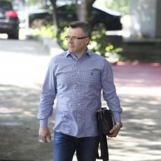 NE ZNAM IZ KOJE KANALIZACIJE SU ISPLIVALI MIŠEVI POPUT NOGA Bečić osudio napade na Vučića i njegovu porodicu
