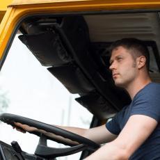 NEMA KO DA VOZI: Srbiji nedostaju VOZAČI autobusa i kamiona