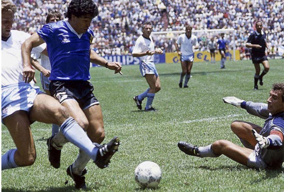 NEMA TIH PARA! Bivši engleski fudbaler, akter čuvenog meča izričit: Maradonin dres iz Meksika nije na prodaju!