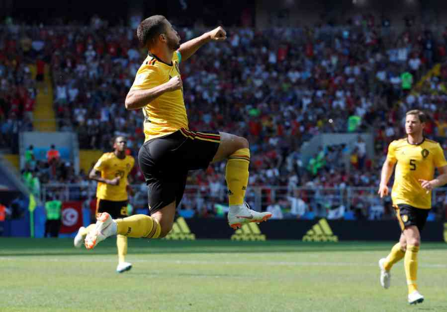 NEMA VIŠE ČUVENOG PROKLIZAVANJA Azar menja stil proslave golova: Moja kolena gore!